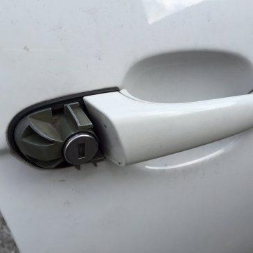 BMW E46 ドアキーシリンダー修理